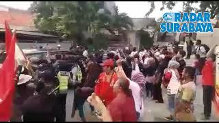 Kunjungan Prabowo ke Ponpes Majelis Zikir Kyai Tambak Deres Surabaya di Sambut Pendukung Jokowi