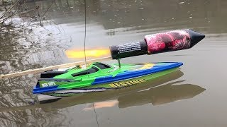 Rocket powered RC Speedboat !! Amazing Reaction
