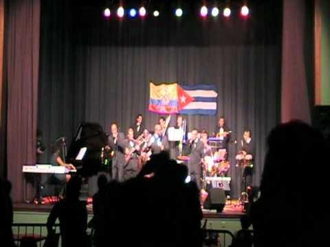 Salsa 2011 Aprovechame Cristian Gonzalez y su Orquesta La Bohemia en vivo