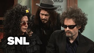 Mort Mort Feingold: Gives Tax Advice to the Kardashians and Other Celebs - SNL