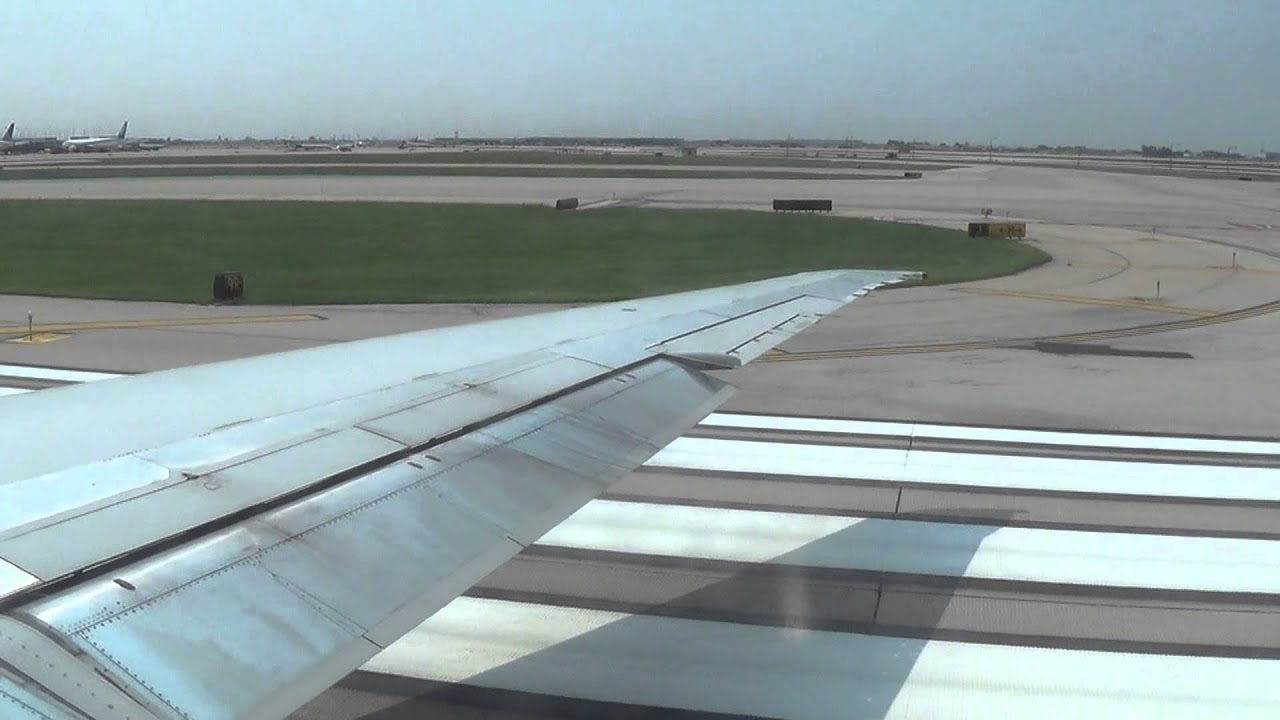 American Airlines Mcdonnell Douglas Md 82 Takeoff At