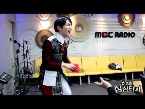 신동의 심심타파 - SHINee' kicking Korean shuttlecock match, 샤이니의 제기차기 대결 20131031