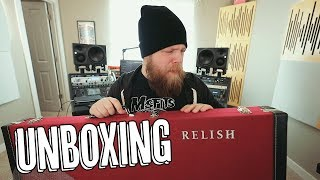 Unboxing Modern Art - Relish Guitars Mary One!