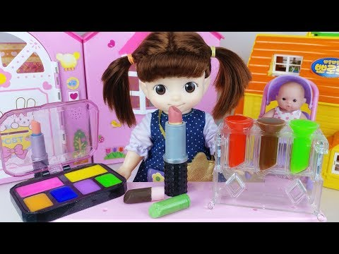 Baby doll Makeup and Lipstick chocolate maker toys eat play 아기인형 메이크업 립스틱 초콜릿 만들기 장난감놀이 - 토이몽