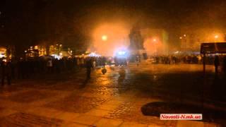 У Миколаєві майданівці розігнали сепаратистів. Є поранені