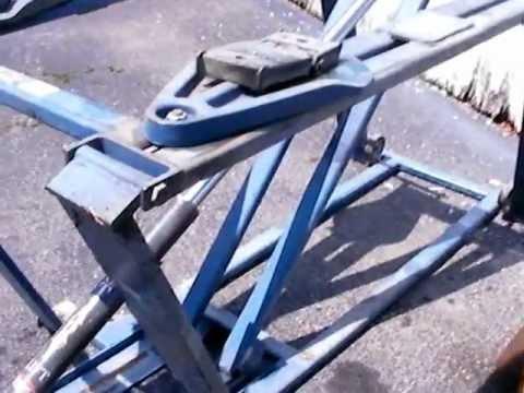 Hydraulic Car Lift >> Rotary Scissor Lift - YouTube