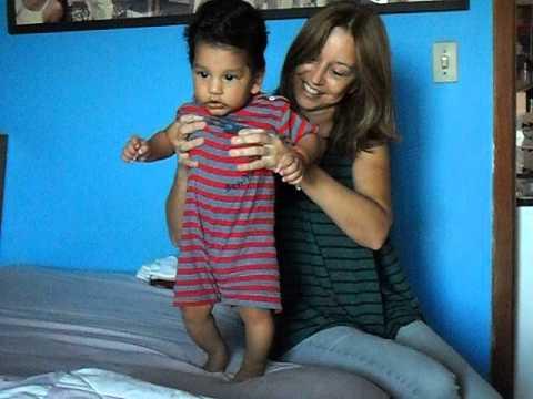 Baixar Bebê de 4 meses dançando OPAGANASTA!