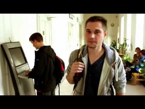 Што прават студентите на првиот ден на универзитетот во Опава, Чешка?