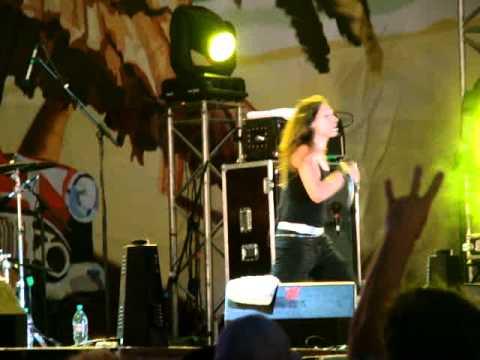 TRACKTOR BOWLING - Правда (Kubana live)