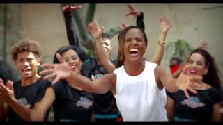 """Yaima Sáez Y Su Grupo - Video Clip """"La Mazucamba"""""""