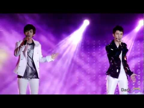 [FanCam] 120712 EXO-K [D.O & BAEKHYUN] - What Is Love at 2012 Yeosu Expo Pop Festival