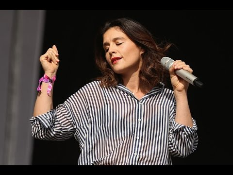 Jessie Ware - Say You Love Me (Live at Lovebox Festival 2015)
