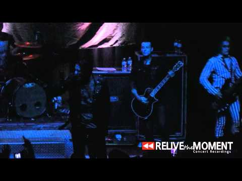 Baixar 2014.03.10 Motionless in White - Devil's Night (Live in Bloomington, IL)
