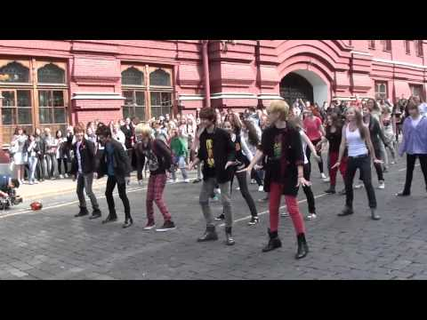 SHINee in Russia(Red Square) flashmob (06.09.2011)