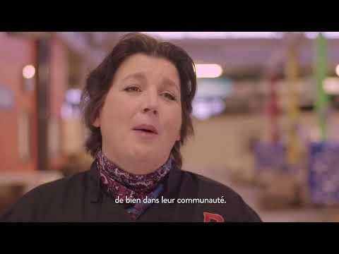Regardez la chef Lynn Crawford surprendre les bénévoles des banques alimentaires avec un délicieux déjeuner des Fêtes pour les remercier d'aider à bâtir des communautés plus fortes.