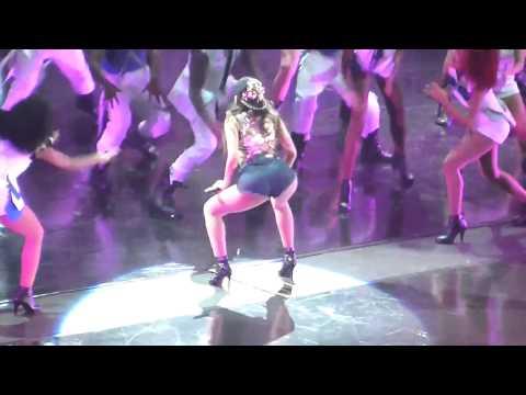 Baixar Anitta fazendo quadradinho (gravação do DVD) HSBC Arena