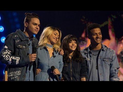 Loco by Enrique Iglesias ft Romeo Santos (La Banda Performance)