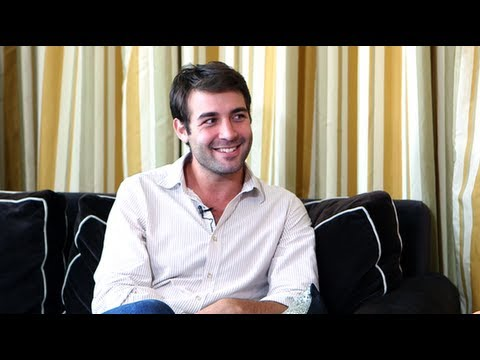James Wolk Talks Political Animals, Balancing Work and Romance ...