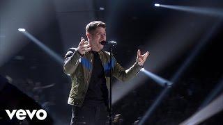 Nick Jonas - Chains (Live From The 2015 Radio Disney Music Awards)