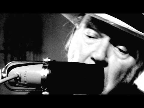 Neil Young - Love And War (Video)
