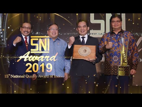 https://www.youtube.com/watch?v=skbeGFCFVT0&t=154sPenganugerahan SNI Award 2019 oleh BSN