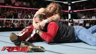 Daniel Bryan clashes with Shawn Michaels: Raw, Oct. 28, 2013