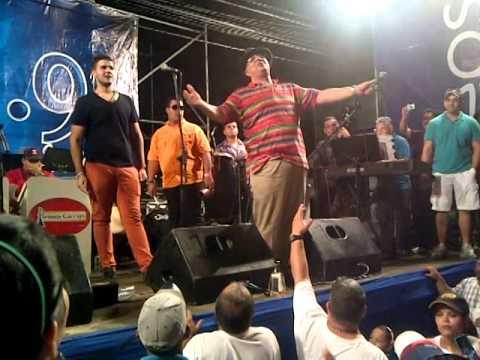 Argenis Carruyo - cantando Quien como yo (9 pantalones) en El Pozón 2013 24/12/2013