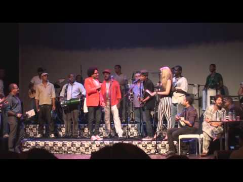 Baixar Trofeu Castro Alves | Jr. Lord, filho de Magary, canta para Marcela, filha de Patricia Nuno