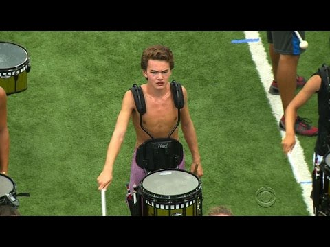 Baixar Teen drummer lives his dream one beat at a time
