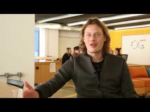 Ρομπιν Σούιλ.  Ο γκουρού του ηλεκτρονικού εμπορίου εκπαιδεύει Έλληνες Stratuppers