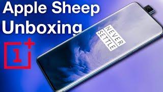 Apple Sheep Unboxes OnePlus 7 Pro (Nebula Blue)