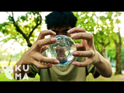 Repeat youtube video Contact Juggling - Taiwan (台灣大學)