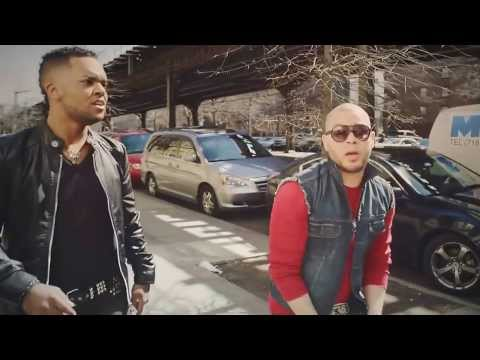 Redimi2 + Funky & Sanddy El Siervo Amado   Yo Soy Asi Remix  2013 mp4