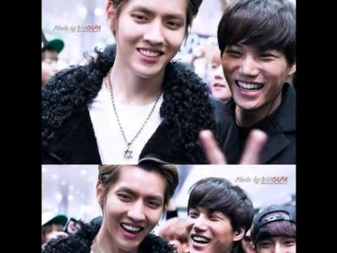 kris happy moment with Exo