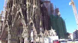 Trịnh Hảo Tâm Viếng Nhà Thờ Sagrada Familia  Ở Barcelona