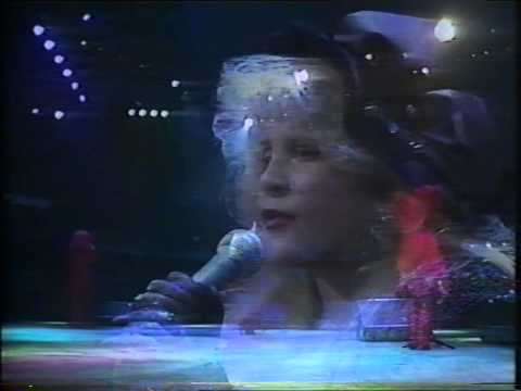 Stevie Nicks - Rooms On Fire (live on Rock Over Europe)