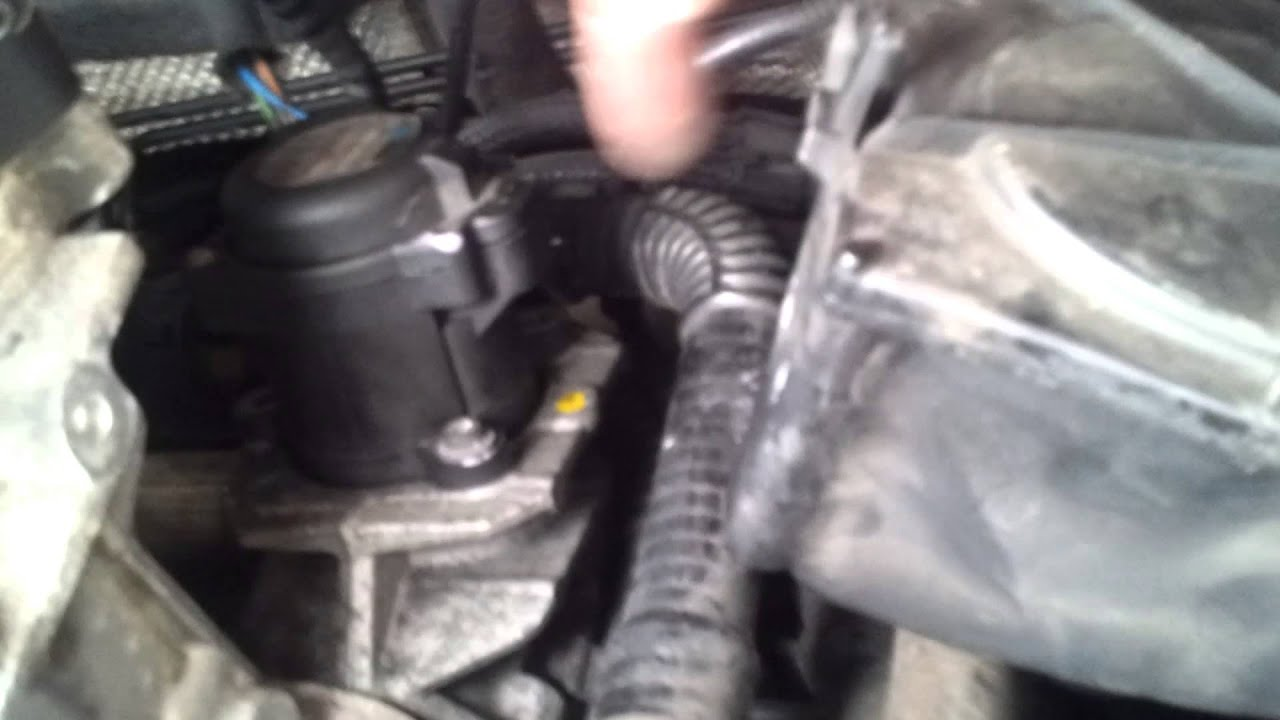 Ford focus cmax egr valve removal - YouTube
