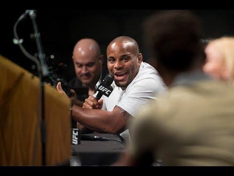 Najważniejsze Fakty z konferencji UFC 214: Cormier mistrzem kategorii 206,2 lbs wg Jonesa