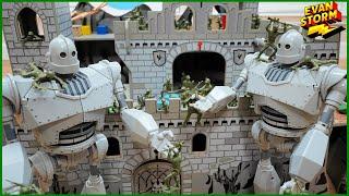 👽 Pretend Play Castle Defense: Plastic Army Men VS Alien Iron Giants from Space