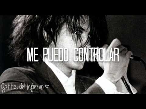 Not in love - Crystal Castles ft. Robert Smith | Subtitulada al español