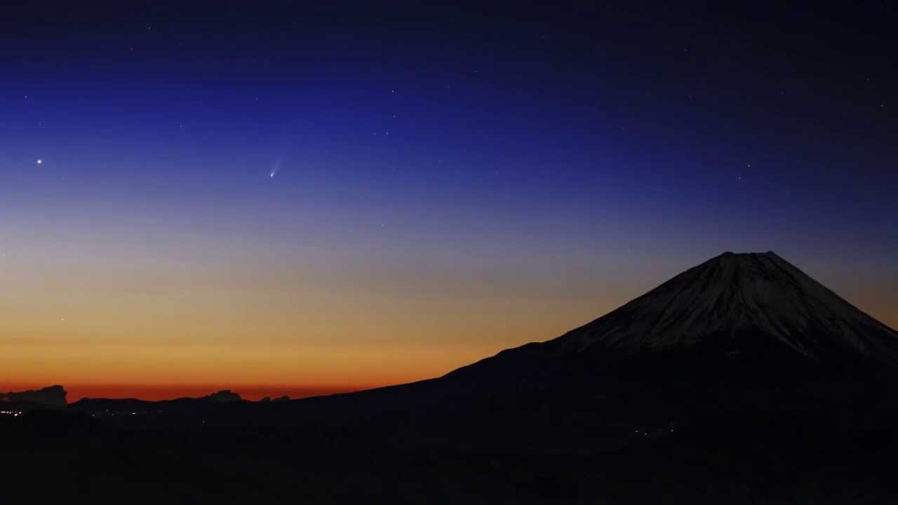 KAGAYASTUDIO 富士山とアイソン彗星 KAGAYASTUDIO  富士山とアイソン彗星