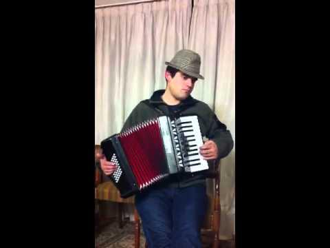 El Lobo Chilote en acordeon