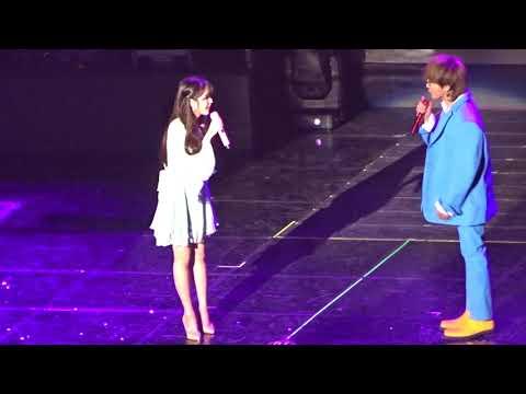 [Fancam/직캠] 아이유(IU) & 지드래곤(GD) 토크 (2017.12.09 아이유콘서트