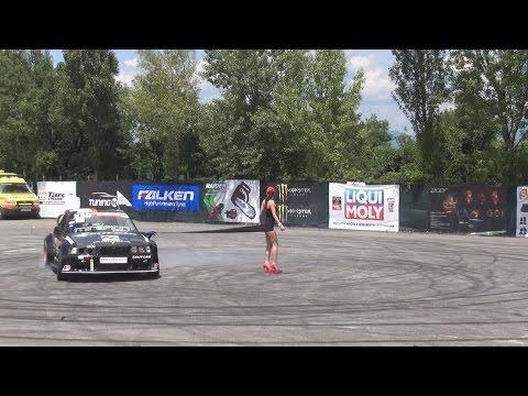 Drift Strip Show in 3D