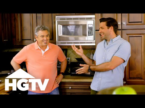 Back Home With the Bradys: Christopher Knight - HGTV