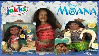 Disney Princess Moana IRL Opening Singing Moana & Mega Maui