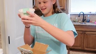 SHE GOT SLIME IN THE MAIL! Can you mail slime?