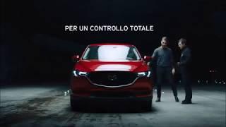 7.000 cubetti di ghiaccio sfidano la trazione integrale i-ACTIV AWD di Mazda.
