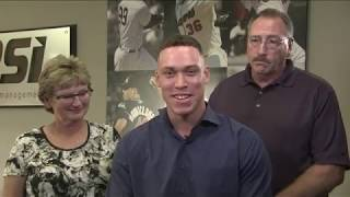 Aaron Judge Wins AL Rookie of the Year Award