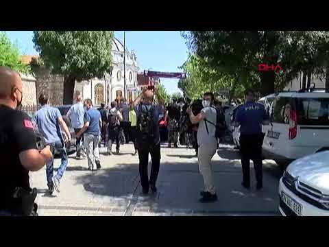 Cumhurbaşkanı Erdoğan'a Fatih Camii'nden ayrılırken yoğun ilgi